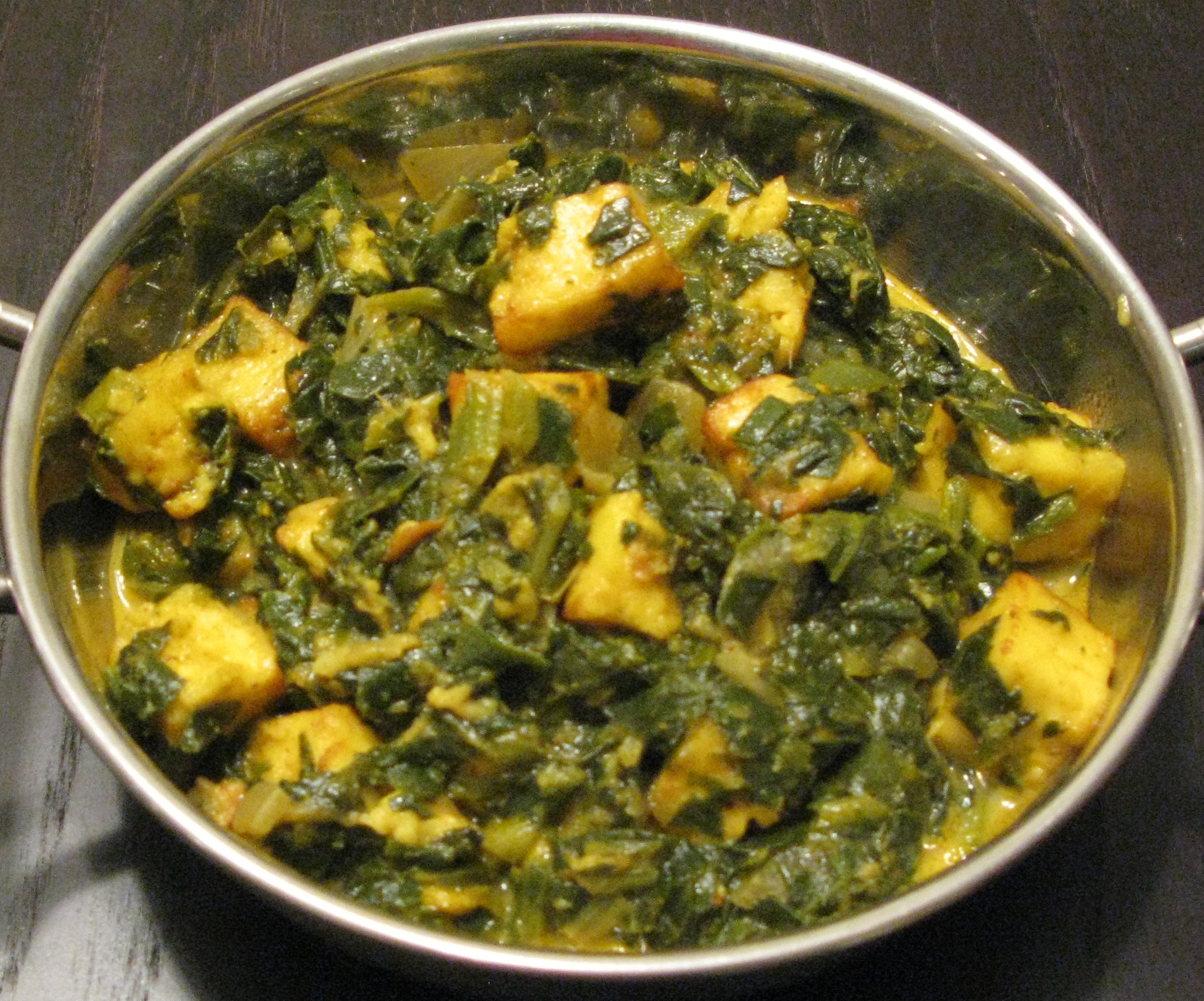 Saag Paneer (Spinach with cheese) | DeshiGrub.com